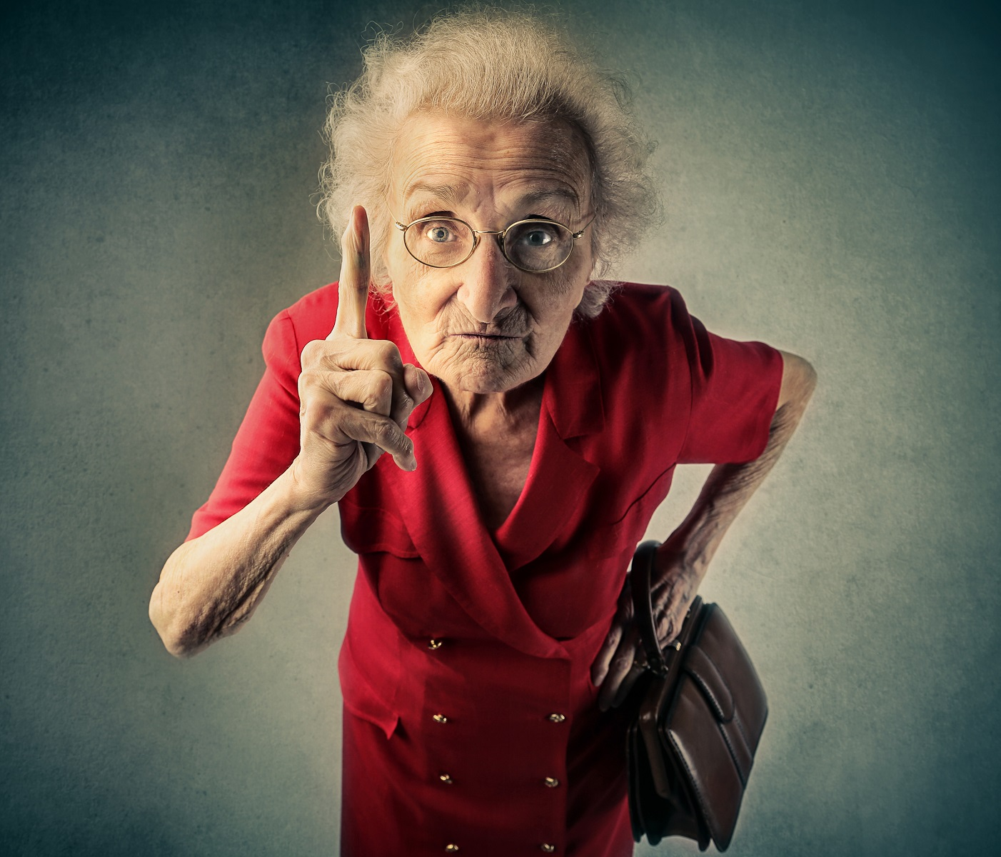 angry old woman 1K px